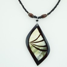 Cow Horn Leaf Pendant Necklace