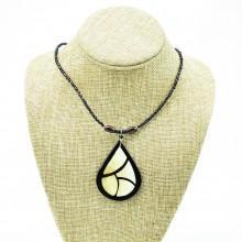 Tear Drop Cow Horn Leaf Pendant Necklace