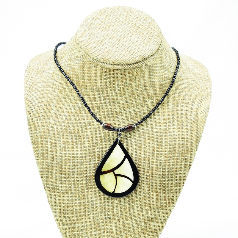Tear Drop Cow Horn Leaf Pendant Necklace