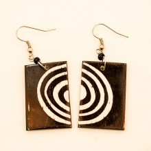 Batik Print Circles Cow Bone Maasai Earrings 712-87